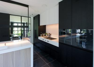 zwarte keuken woonkeuken gaggenau